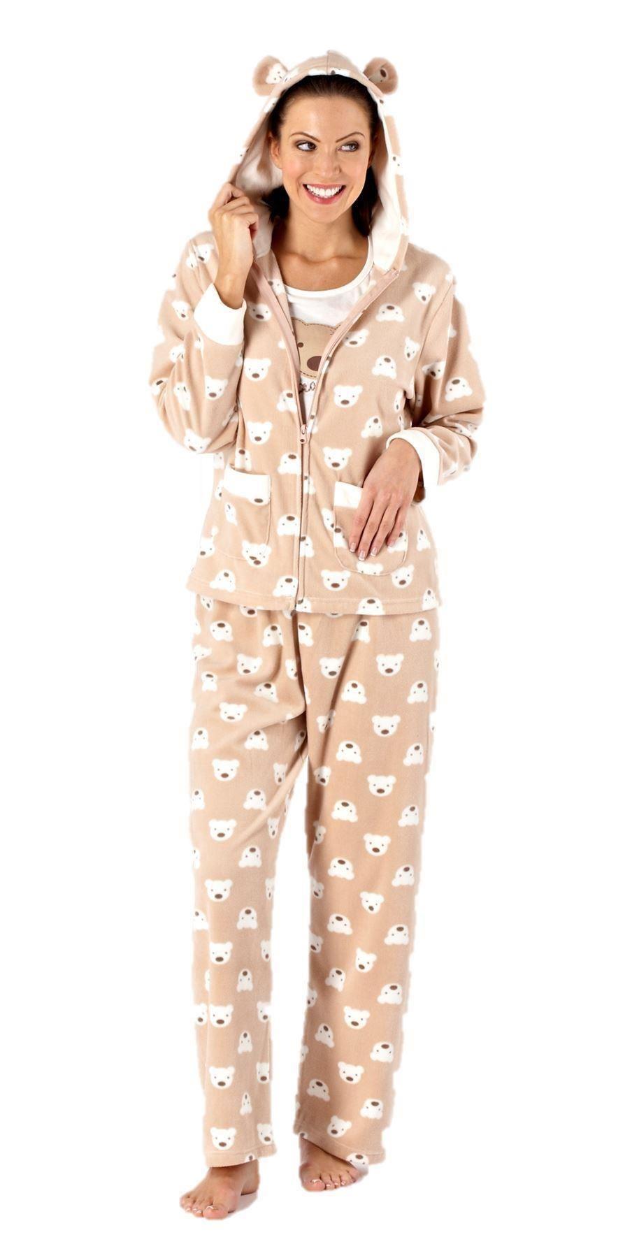surpyjama polaire le v tement de nuit confortables et chaud pour tous les frileuses. Black Bedroom Furniture Sets. Home Design Ideas