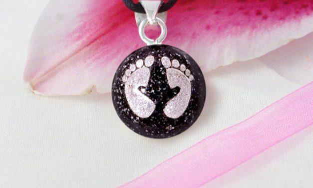 Bola de grossesse : faut-il croire aux pouvoirs apaisants de ce bijou ?
