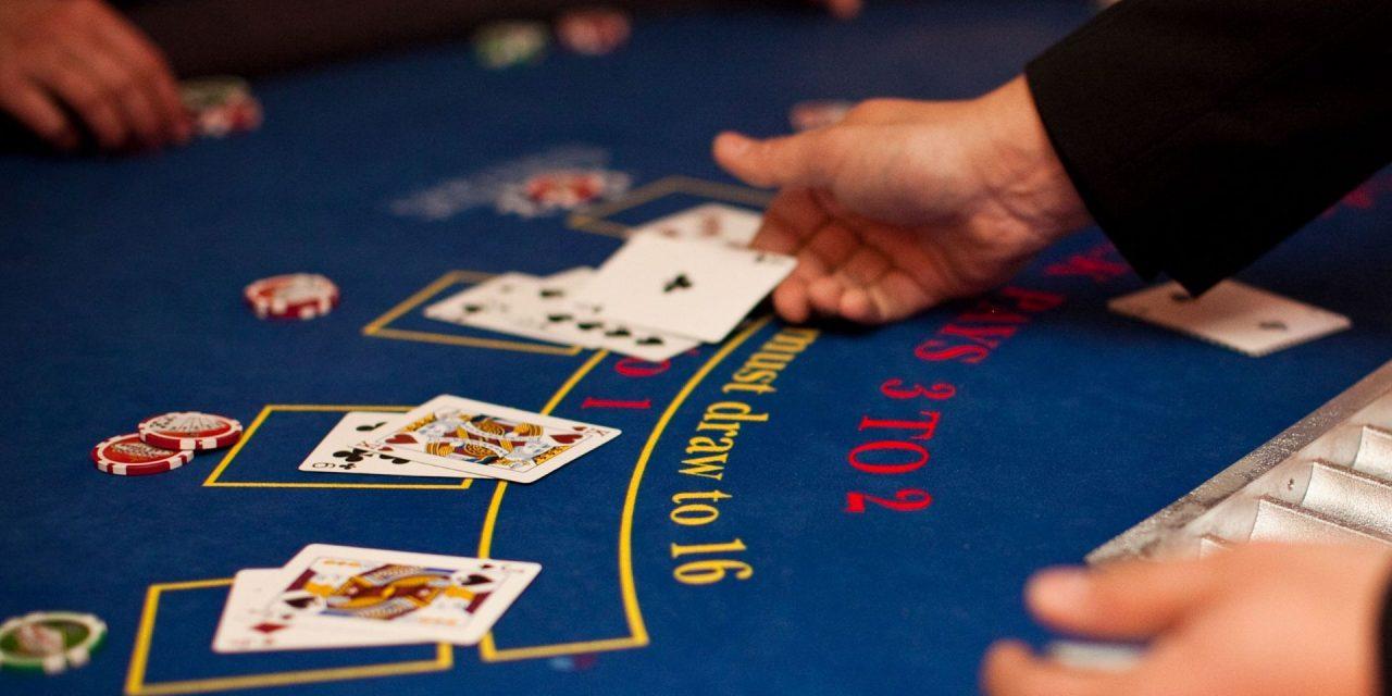 Blackjack en ligne : jouer comme une actrice !